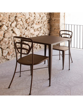 Mesa y sillas Granada