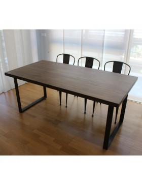 Mesa y sillas de forja y madera de roble